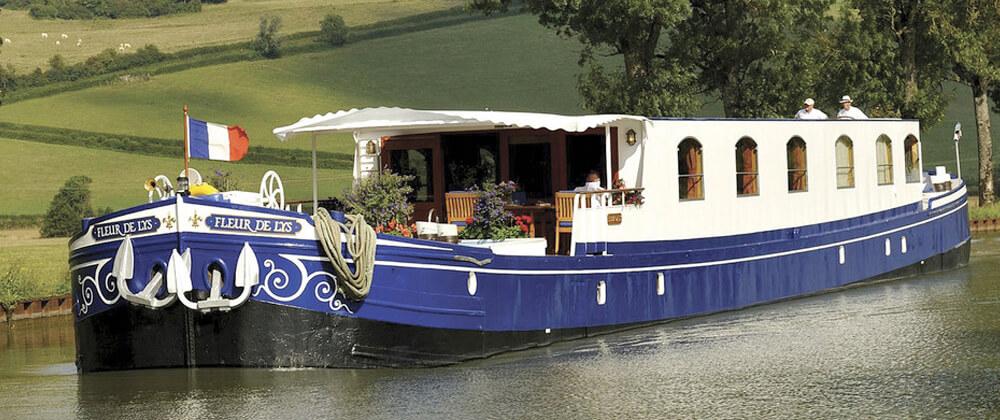 Belmond-fleur-de-lys-luxury-barge