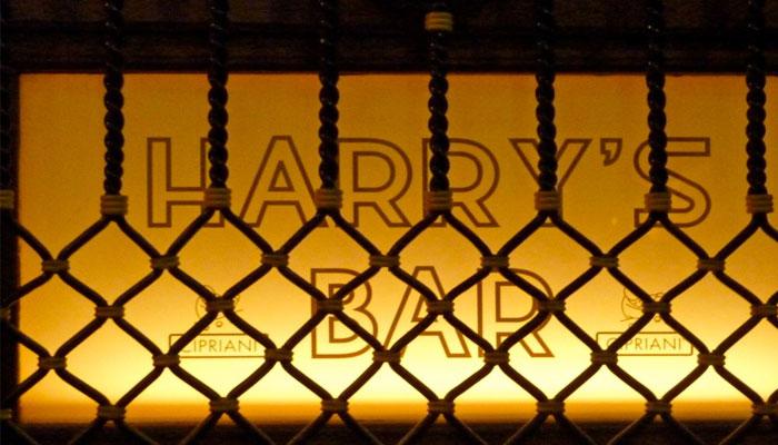 harry's-bar-window