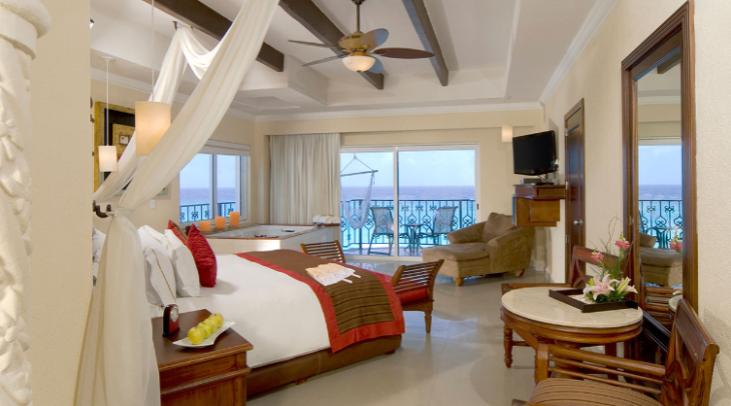 cancun-hyatt-zilara-hotel-ocean-front-deluxe-suite-king