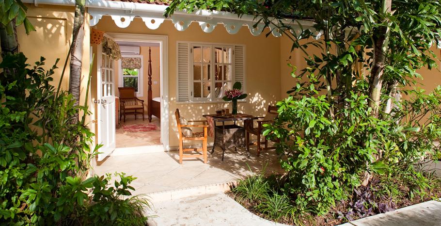 premium-honeymoon-poolside-room-sandals-grande-antigua