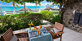 beach-luxury-walkout-Sandals-Halcyon-Beach