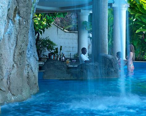 barbados-sandy-lane-pool-bar