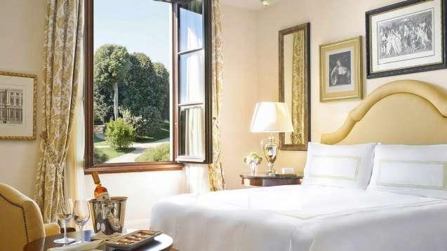 Florence-Four-Seasons-Room-Premier