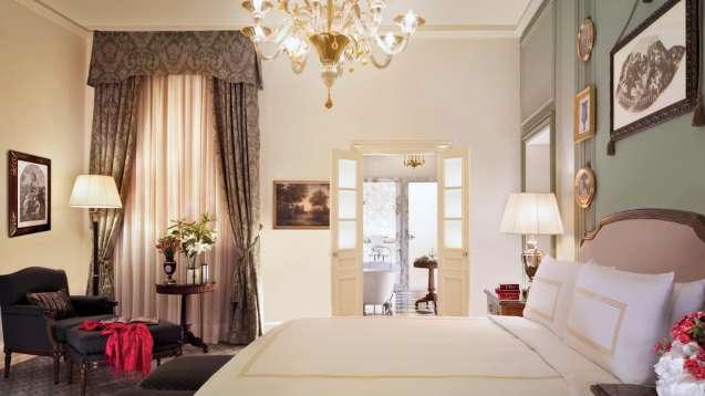 Florence-Four-Seasons-Suite-Parlour