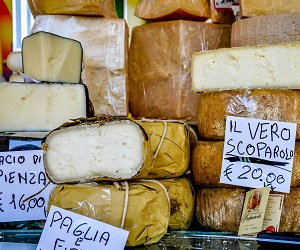 Siena-Market-Cheeses-crop