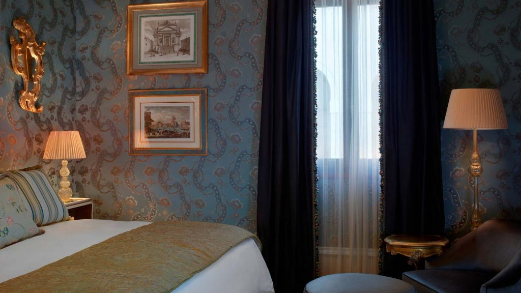 Venice_Gritti_Palace_Hotel_Room_DeluxeRoom