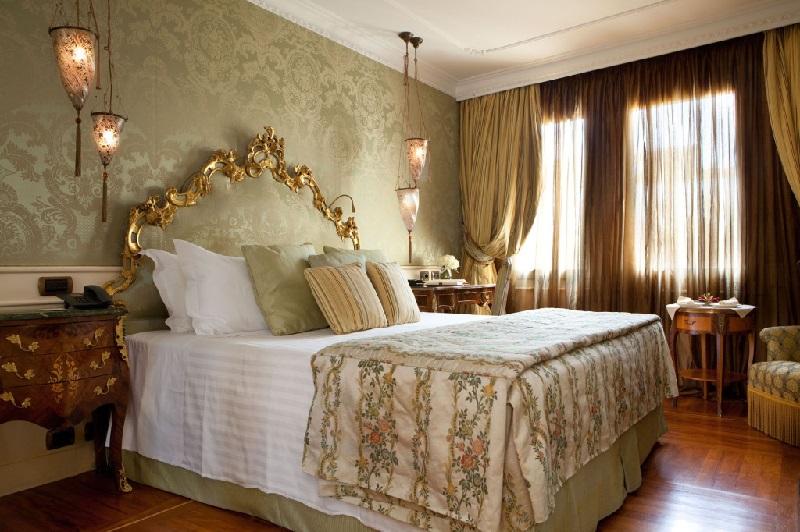 Venice_Luna_Baglioni_Superior_Room 800x532