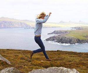 thumb-woman-jumping