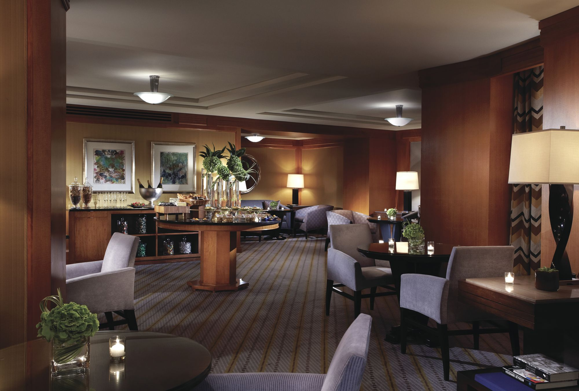 Ritz-Carlton-Club-Lounge