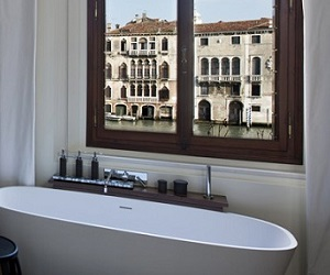 Aman-Venice-Maddalena-Bedroom